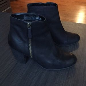 BP black booties